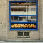 Eingangstür Beschriftung Tirol Innsbruck